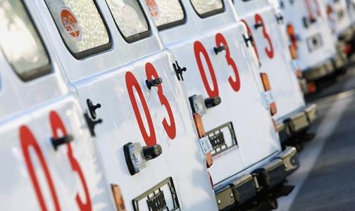 Фото №1 - В ДГБ №5 очередь из машин «Скорой помощи» - в других больницах для детей с ОРВИ мест нет