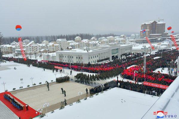 Фото №2 - В Северной Корее построили город-утопию, с курортом и торговыми центрами (фото)