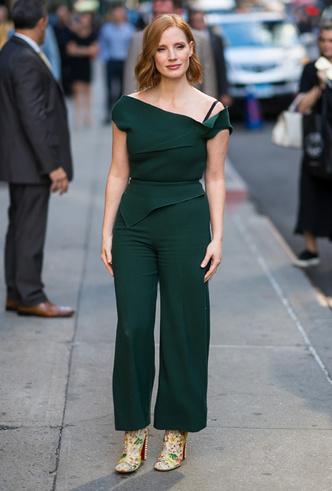 Фото №29 - От Джиджи Хадид до Леди Гаги: кто одевает самых стильных звезд
