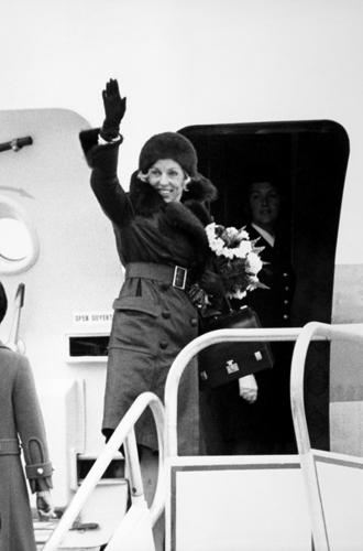 Фото №14 - Первые леди Франции: от Ивонны де Голль до Карлы Бруни-Саркози