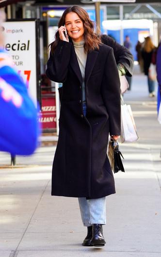 Фото №7 - Самая модная в Нью-Йорке: как одевается Кэти Холмс (и почему ее образы все повторяют)