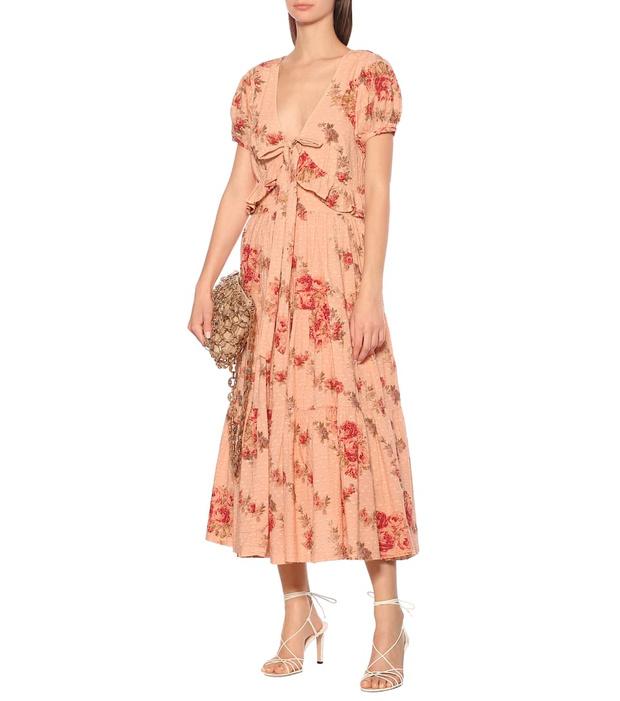 Фото №16 - 15 цветочных розовых платьев как у Селены Гомес в новом видео De Una Vez