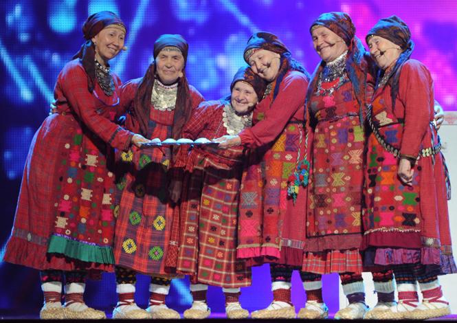 Фото №5 - Самые яркие (и странные) сценические наряды за всю историю Евровидения