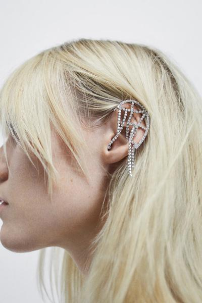 Фото №2 - Крупным планом: кафф-кольчуга из новой коллекции Zara