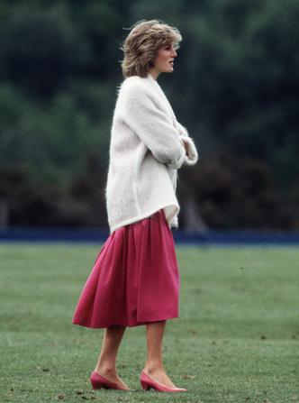 Фото №18 - От персикового до фуксии: как принцесса Диана носила розовый цвет (и почему он ей так шел)