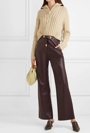Фото №11 - Босс не будет против: как носить кожаные вещи в офис