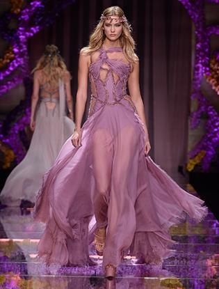 Фото №56 - Неделя Высокой Моды в Париже: Atelier Versace FW2015/16