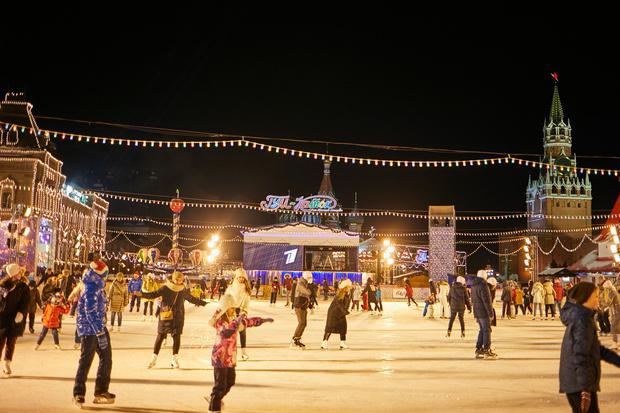 Фото №5 - Новогоднее настроение ON! 🎅28 ноября открывается ГУМ-Каток на Красной площади
