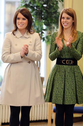 Фото №4 - Быть как Кейт Миддлтон: принцессы Беатрис и Евгения просятся на Королевскую службу