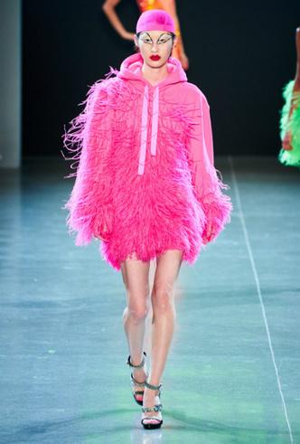 Фото №11 - Как носить перья: 10 идей на все случаи жизни