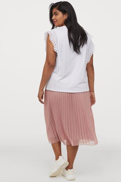 Фото №4 - Как одеваться девушке с полными икрами: 5 простых лайфхаков