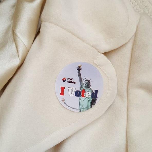 Фото №30 - День выборов в звездном Инстаграме