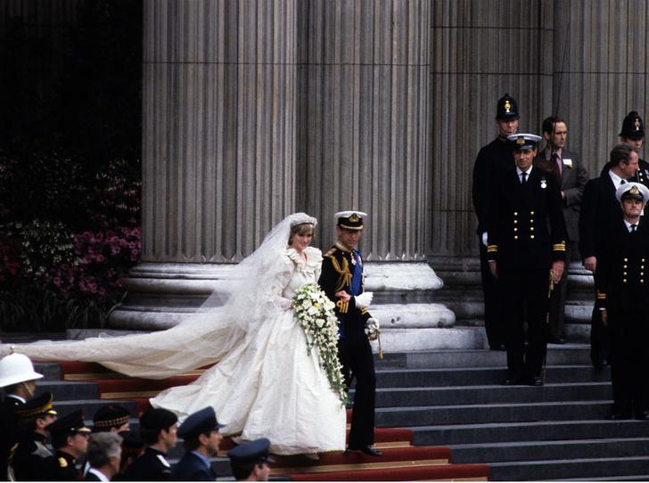 Фото №4 - Кембриджские, Сассекские или Уэльские: какая королевская свадьба стала самой дорогой в истории