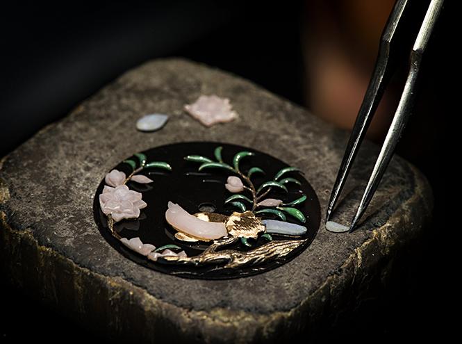 Фото №7 - Магия создания часов Mademoiselle Prive Glyptique от Chanel
