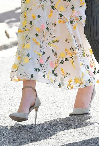 Фото №9 - Обувь и платье на праздник: 7 новых (и неожиданных) правил сочетания