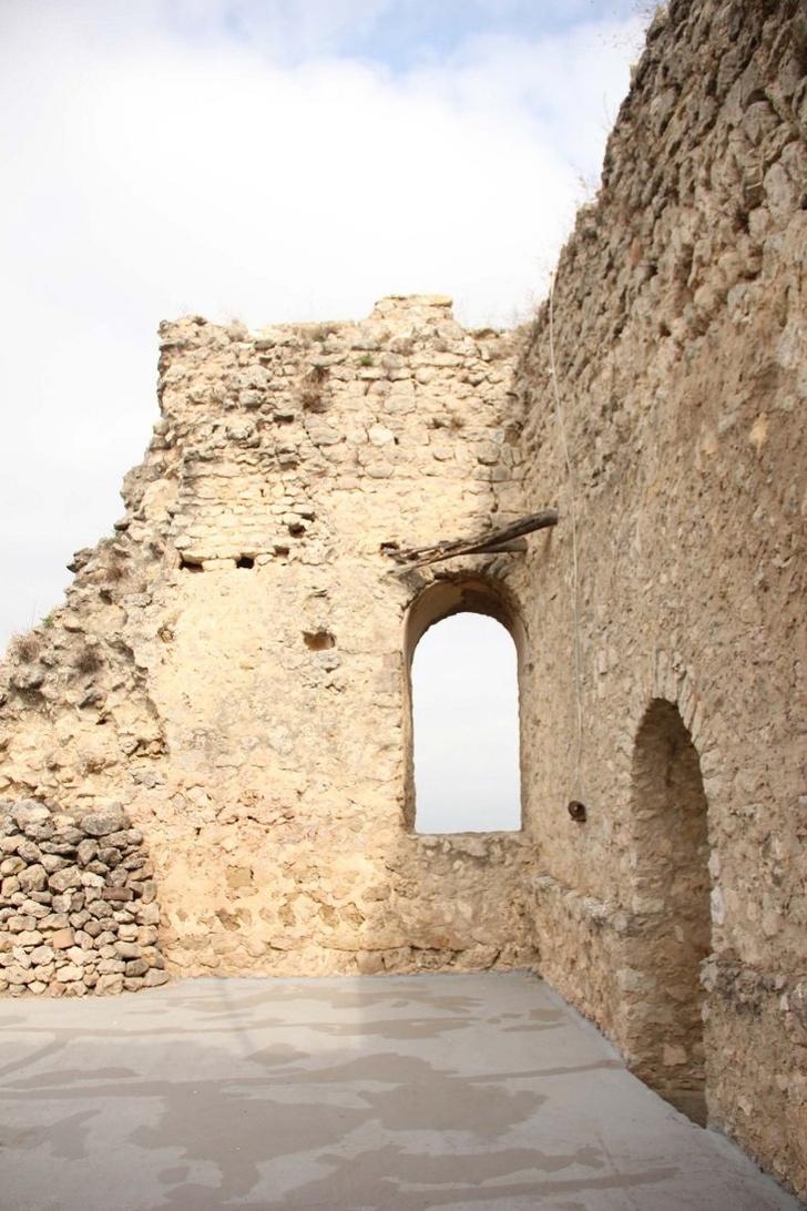 Фото №7 - Студия Meritxell Inaraja восстановила замок XII века в Каталонии