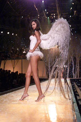 Фото №5 - Как выглядели ангелы на своем первом шоу Victoria's Secret