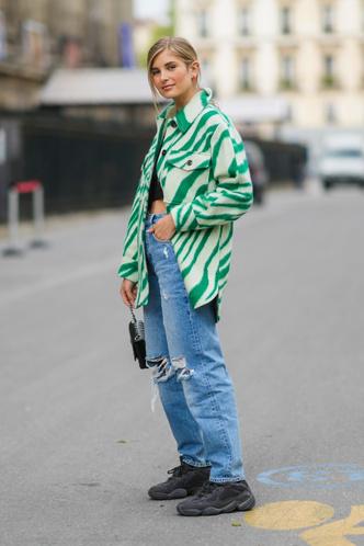 Фото №6 - Самая модная верхняя одежда осени: где искать куртки-рубашки (и с чем их носить)