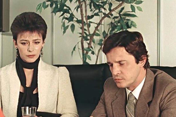Фото №2 - Привычка жениться: как главный герой-любовник Советского Союза однажды устал от своего амплуа