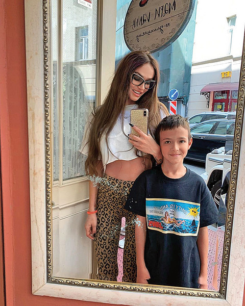 Алена с сыном Богданом.
