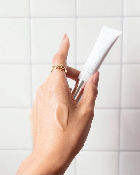 Фото №1 - 10 бюджетных кремов для рук, которые спасут от сухости и шелушений в холодную погоду