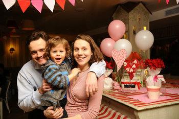 Фото №1 - Праздник любви для всей семьи в кафе «Андерсон»