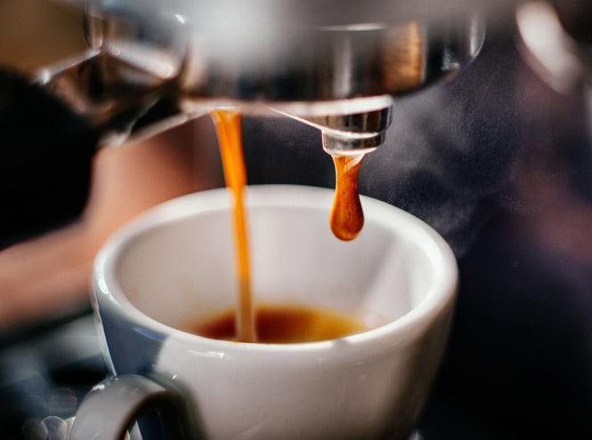 Фото №1 - 10 популярных кофейных напитков: польза, вред и калорийность
