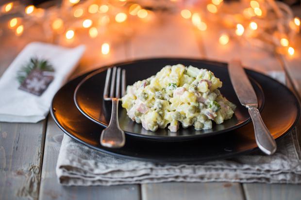 Салат оливье со слабосоленой семгой