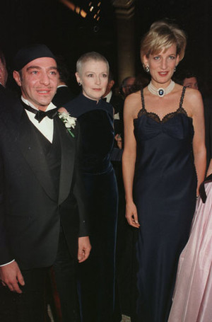 Фото №20 - Как принцесса Диана одевалась в 90-е годы
