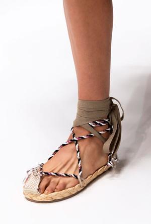 Фото №26 - Самая модная обувь весны и лета 2020: советы дизайнеров