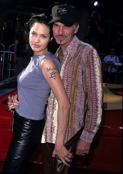 Фото №1 - Анджелина Джоли ищет утешения у бывшего мужа после развода