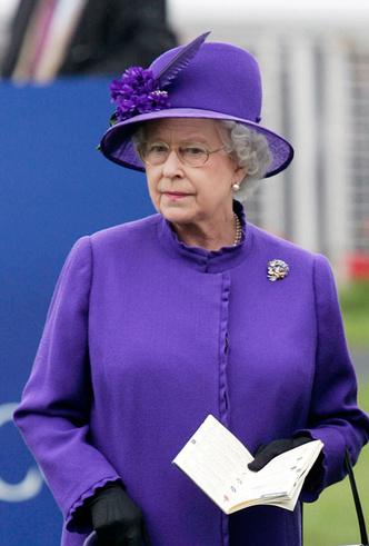 Фото №25 - Делайте ставки, господа: шляпки Королевы на Royal Ascot