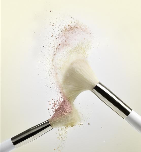 Фото №2 - Кокосовое масло и детский шампунь: как правильно ухаживать за кистями для макияжа