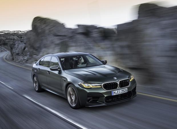 Фото №1 - Четыре миллиона за три десятых секунды: BMW представила самый мощный автомобиль в своей истории