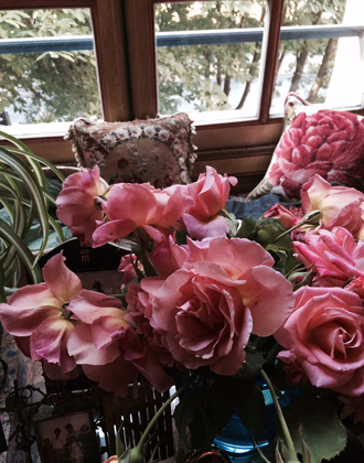 Фото №6 - Розы из сада д'Орнано: аромат Izia от Sisley