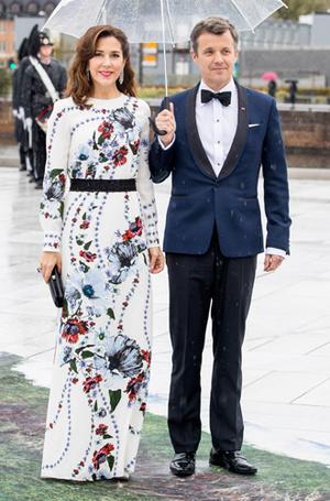 Фото №26 - Забавы королевского двора: самые интересные моменты юбилея Харальда и Сони