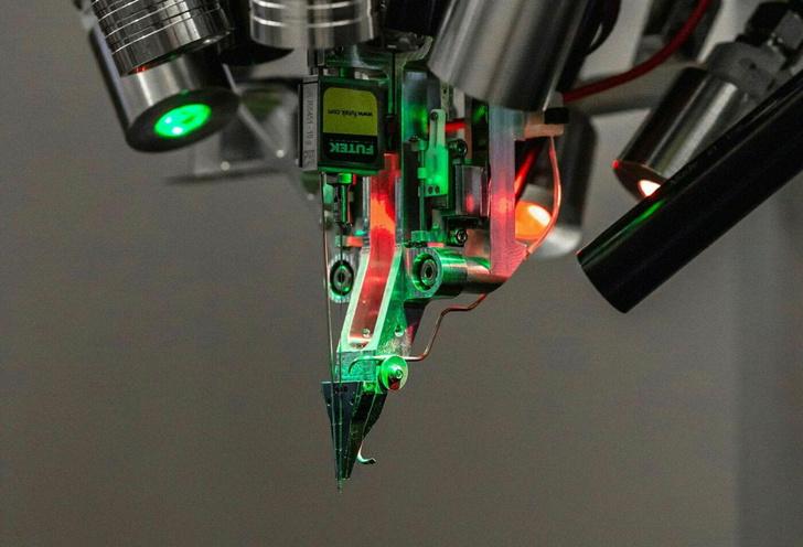 Фото №2 - Стартап Илона Маска продемонстрировал устройство для чтения мозга