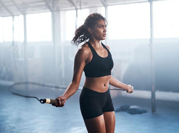 Фото №1 - Как выбрать правильную одежду для спортзала (и почему это так важно)