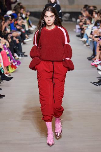 Фото №15 - Все связано: 5 самых модных свитеров для зимы 2020/21