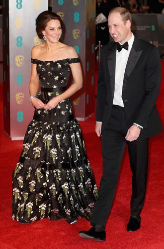 Фото №4 - Талант скромности: герцогиня Кембриджская на церемонии BAFTA