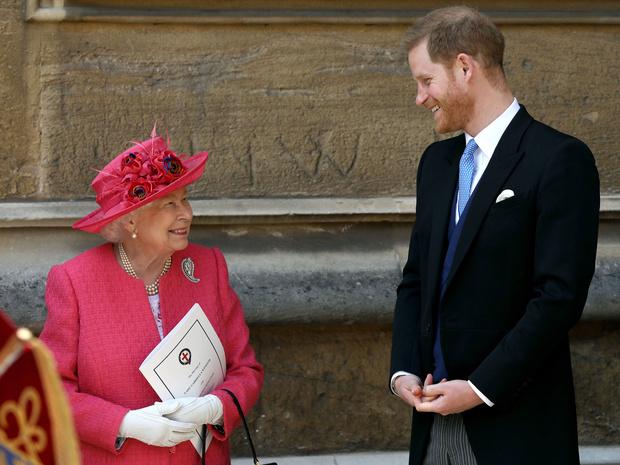 Фото №1 - Особое отношение: почему Королева всегда позволяла Гарри больше, чем Уильяму