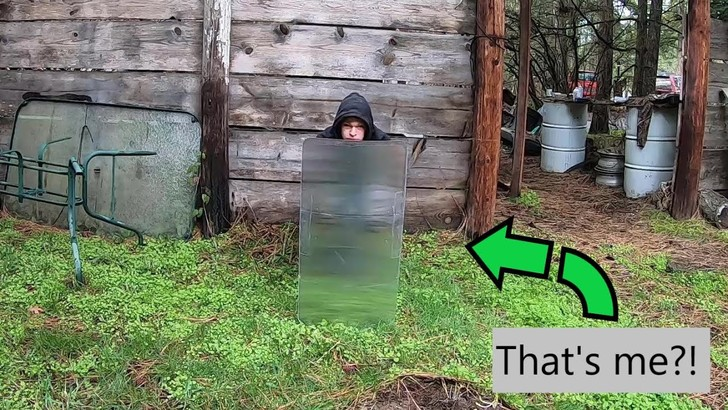 Фото №1 - Лайфхак: как стать почти невидимым (буквально)