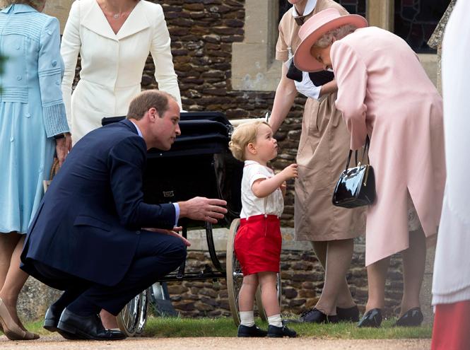 Фото №36 - Самые трогательные моменты крестин детей герцогов Кембриджских
