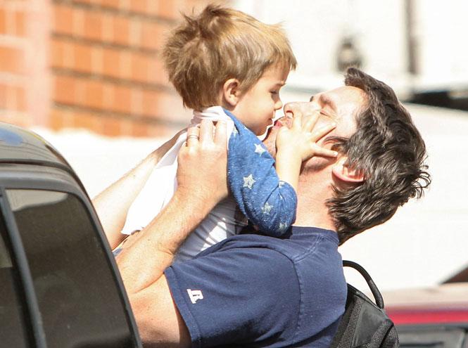 Фото №26 - 25 по-настоящему милых фото самых знаменитых отцов в мире