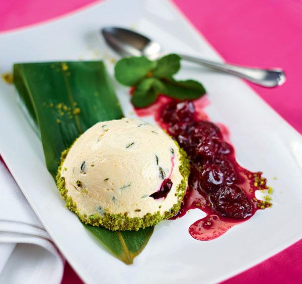 Фото №1 - Прохлада на десерт: пошаговый рецепт семифредо от итальянского шеф-повара