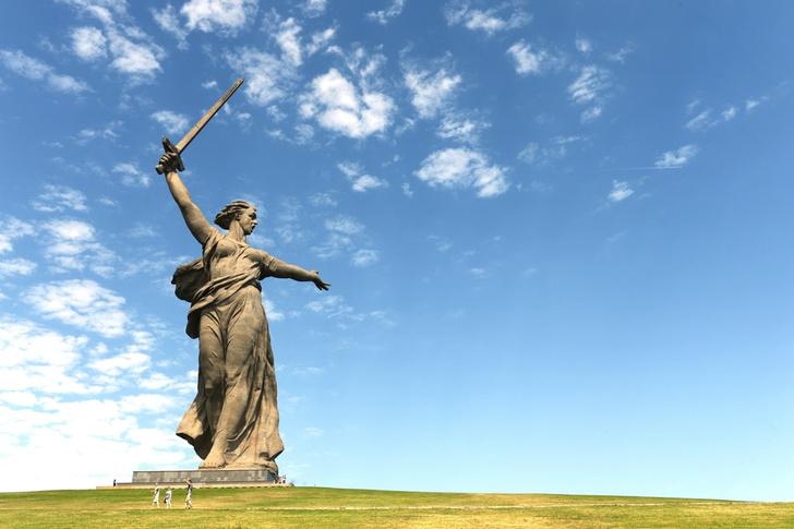 Фото №1 - Названы города-финалисты конкурса символов для купюр в 200 и 2000 рублей