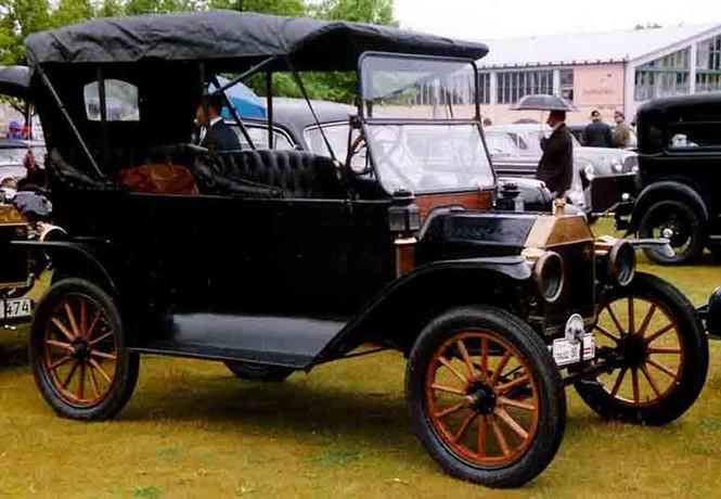 Фото №2 - 10 культовых автомобилей XX века, которые мир помнит до сих пор