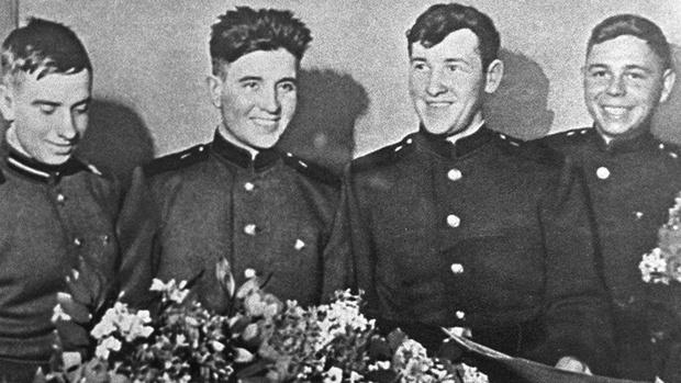 Фото №4 - Как четыре советских солдата 49 дней выживали на дрейфовавшей в океане барже с трехдневным запасом еды