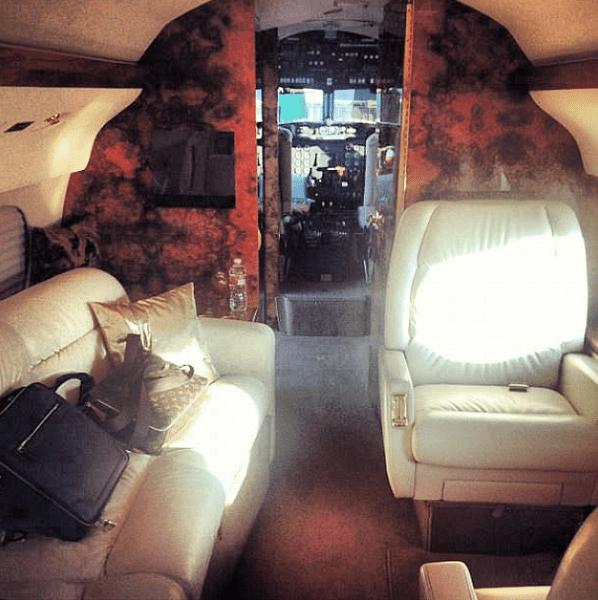Фото №15 - Звездный Instagram: Знаменитости и самолеты