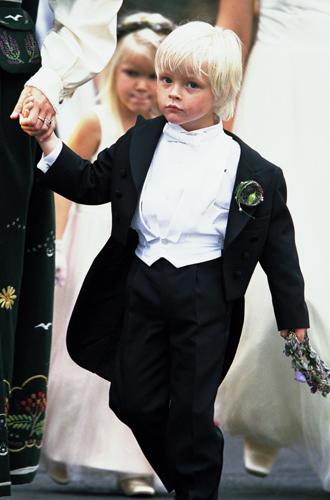 Фото №73 - Самые трогательные моменты королевских свадеб (о Гарри и Меган мы тоже не забыли)